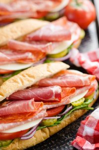 Italian hero sub recipe for those that miss their sandwich takeout using these copy cat restaurant recipes. Save money plus help your family adapt more easily to a meal plan with these 20 restaurant favourite recipes.