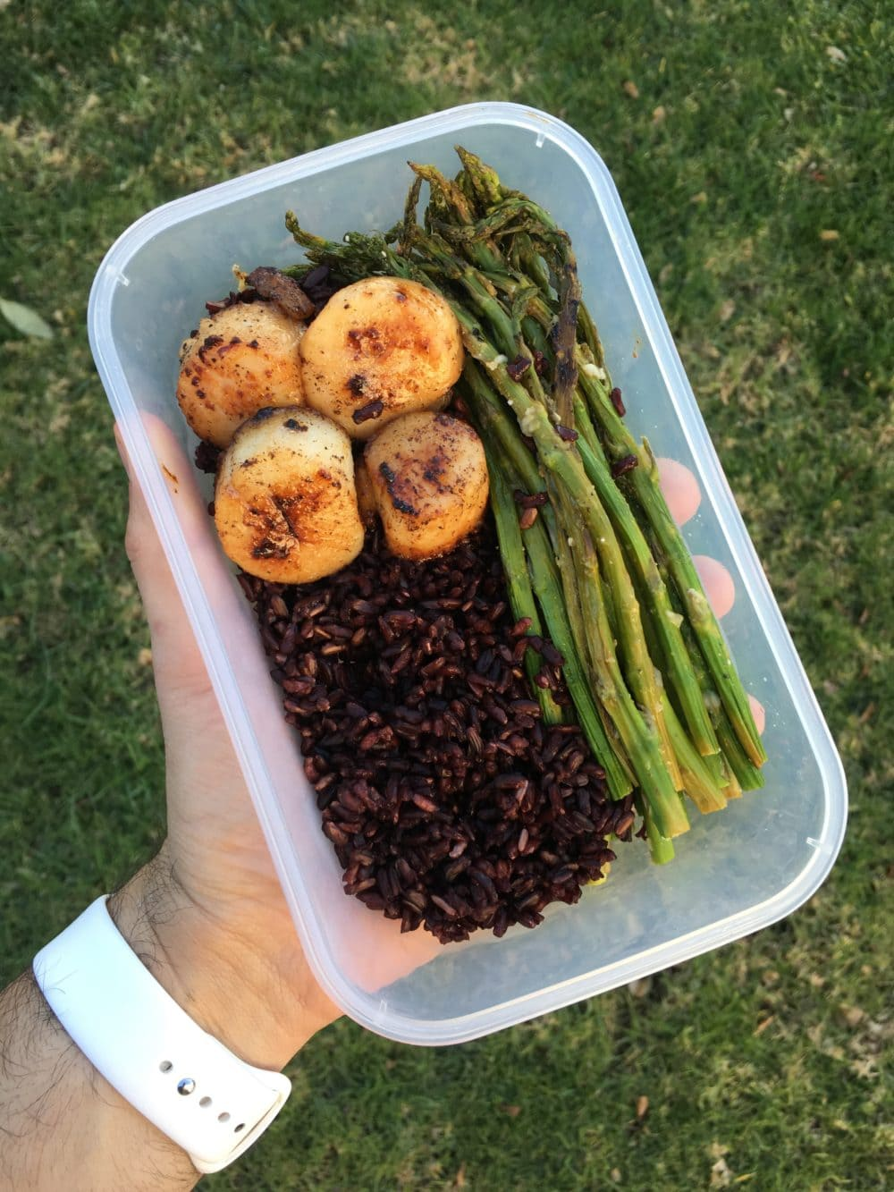 black rice scallop and asparagus meal prep