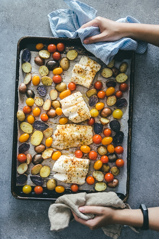 sheet pan fish and veggies 25 min