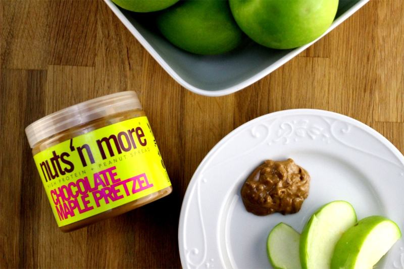 foods that burn fat - nut butter and fruit