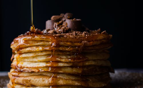 طريقة عمل بان كيك الفطائر الرقيقة ( Fluffy Pancakes )