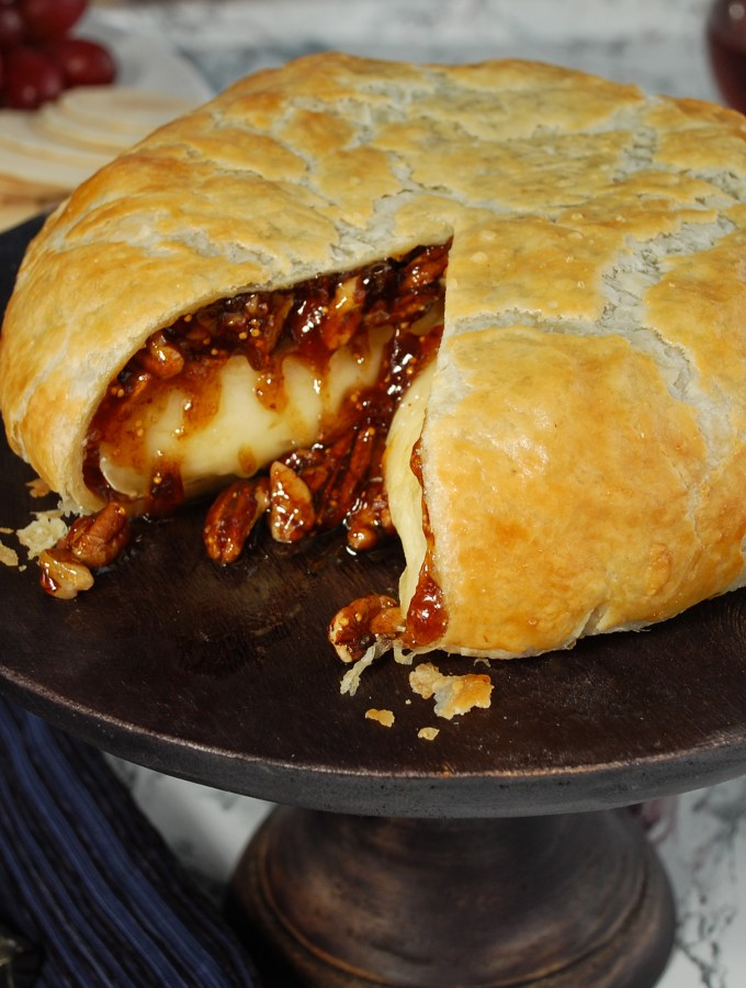 Baked Brie & Fig Spread in Puff Pastry