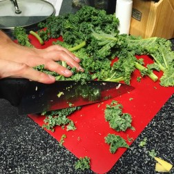 Chopping the curly kale for stamppot