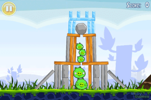 467763-angry-birds-iphone-screenshot-dropping-the-boulder-onto-the