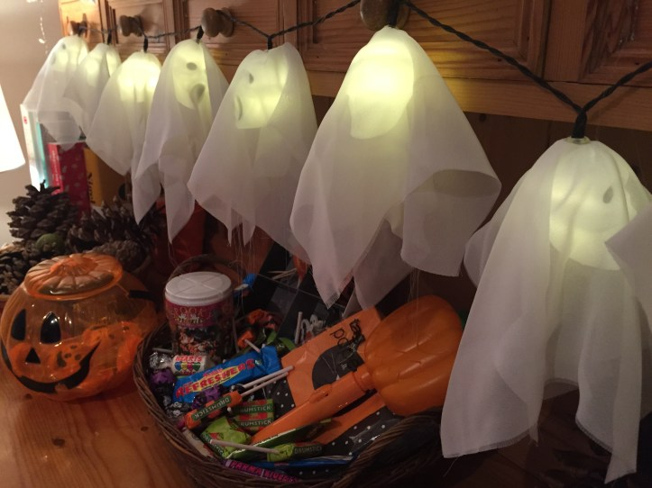 halloween home bargains ghost led lights review indoor use autumn winter