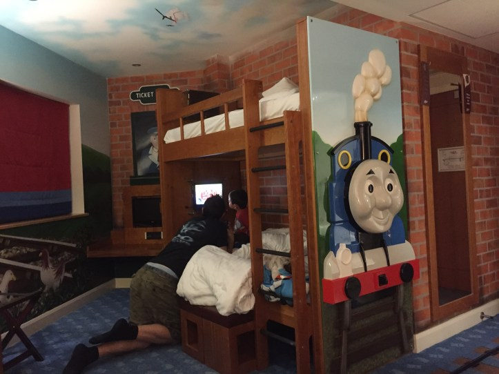 drayton manor hotel thomas themed bedroom toddler cost review worth it thomas land