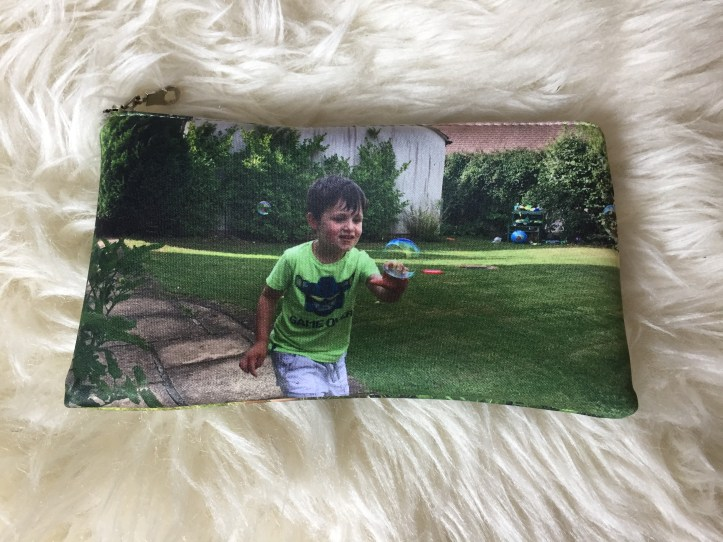 bags of love customised lunch boxes using photographs socila media