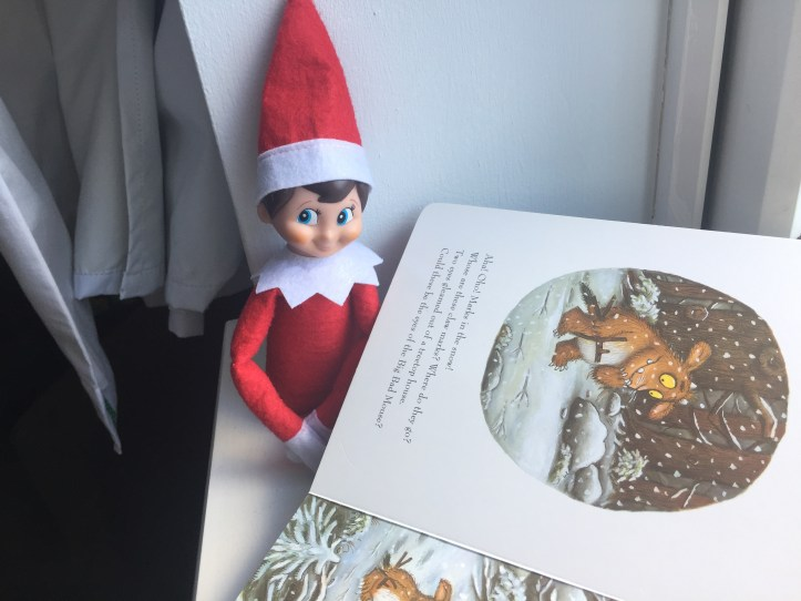 lazy parents mum mom ideas for elf on the shelf reading