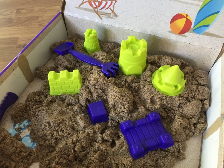 Kinetic Sand Beach Sand Kingdom review - the sand box and tools