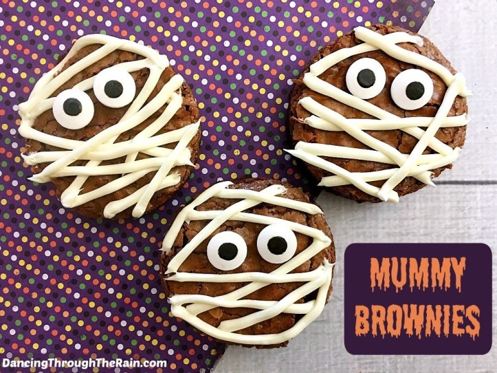 super easy sweet treats, cookies, and recipes for halloween- brownie mummys