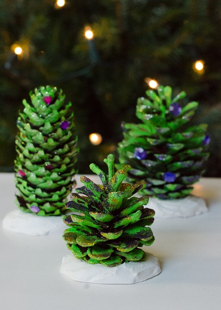 glitter pine cones for christmas craft ideas to make with children