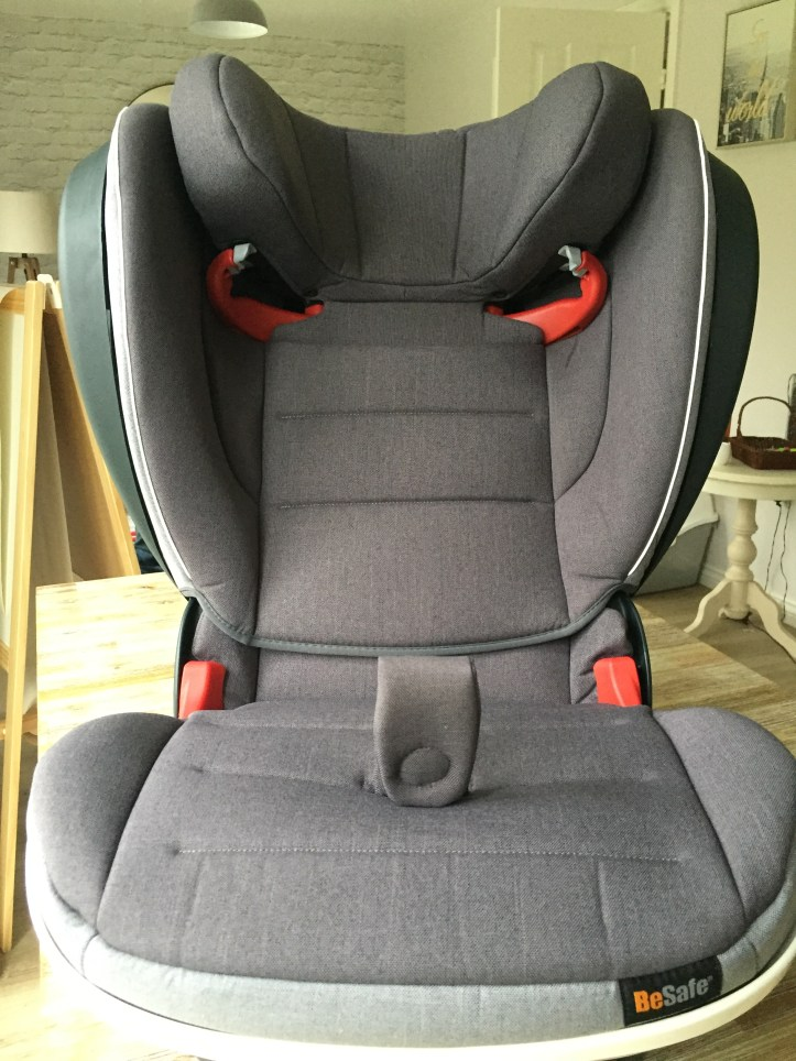The Besafe flex fix isize booster seat for kids