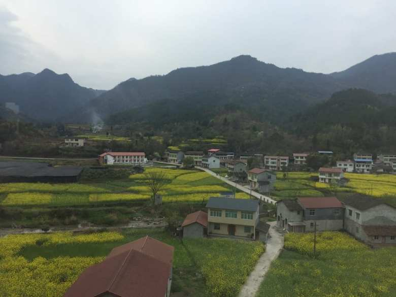 Views in rural China - The tiny xian bao house (overland asia dairy #10)