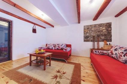 merdovic-living-room