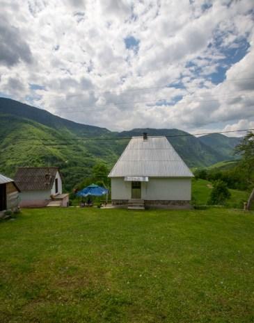 kljajevica-Orchard-farm-stay-vertical