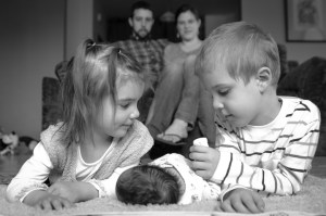 Newborn photography with siblings, Babs Mullinax, me and grace, me & grace, Fort Wayne photographer, photo gifts, lifestyle photography, family photos, ideas for family photos, indoor photography, fun family photographer, long-distance family