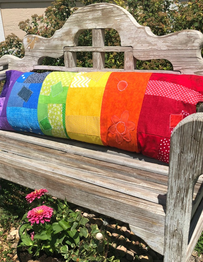 Rainbow-Pillow-with-Fabric-Scraps