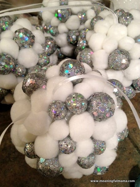 1-diy christmas ball ornaments for tree-001