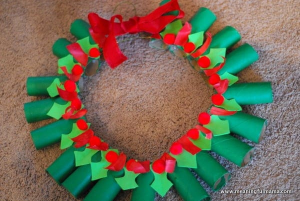 Day 344 Hanger Wreath Christmas Craft