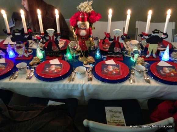1-#christmas #table #decorations #decorating ideas #diningroom-006