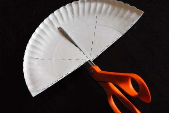 1-#paper plate crown #cubbies bear hug 10 #AWANA crafts-006
