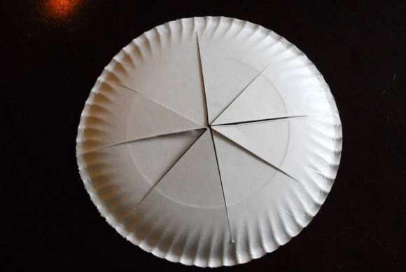 1-#paper plate crown #cubbies bear hug 10 #AWANA crafts-008