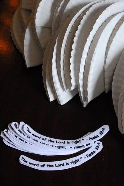 1-#paper plate crown #cubbies bear hug 10 #AWANA crafts-009