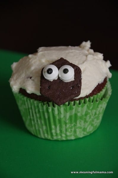 1-#lamb #sheep cupcake decorating marshmallows Feb 6, 2014 1-49 PM