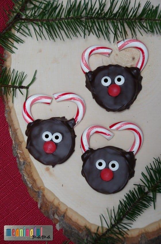 hand-dipped-reindeer-oreos-christmas-snack-nov-4-2016-9-00-am