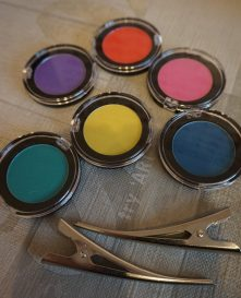 FabLab Hairlights #haircolour #hairchalk #kidscrafts #children #cosmetic #interplay #fablab #haircolour