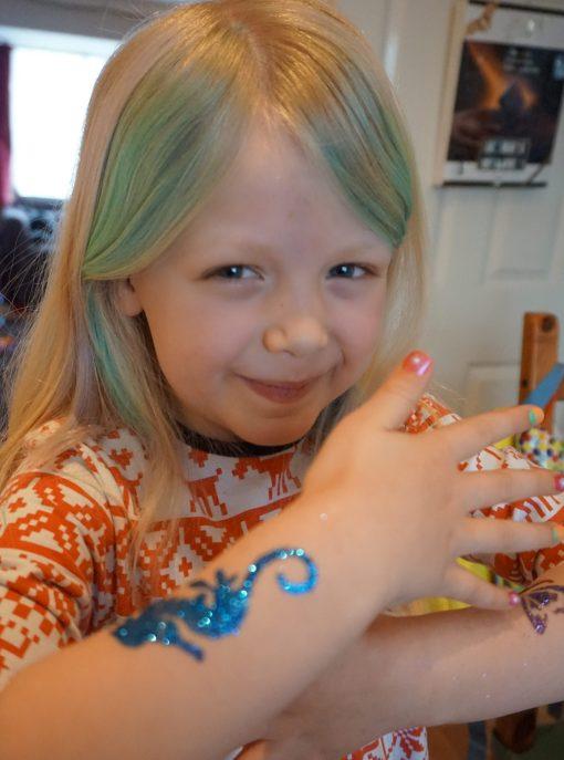 FabLab Nail Art #kids #kidscrafts #nailart #nails #colours #childrencraft #fablab #haircolour #tattoo