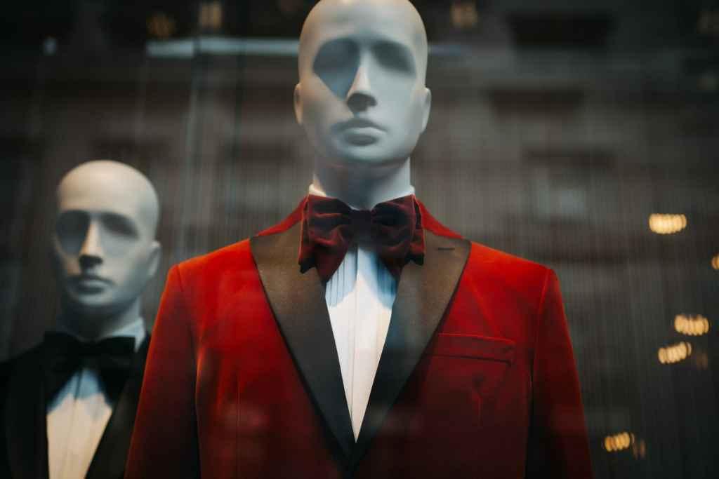 fancy mannequins in shop window