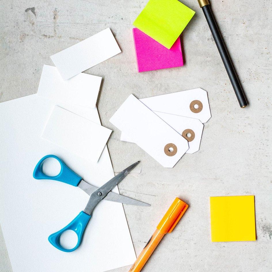 gratitude slips, colourful paper, scissors