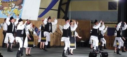 """Ansamblul folcloric """"CUNUNA APUSENILOR"""" – Gilău, jud. Cluj"""