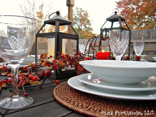 rustic-thanksgiving-table