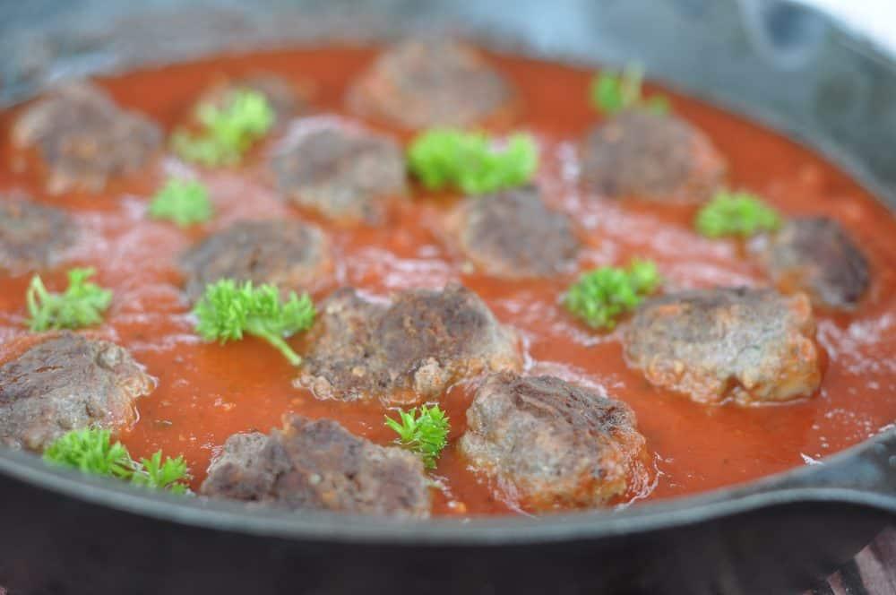 cheesy-garlicky-crock-pot-meatballs
