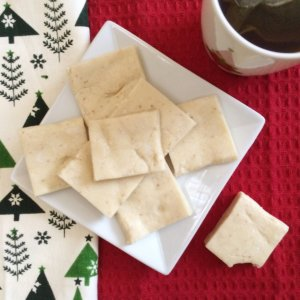 Low Carb Eggnog Protein Bars | deck the halls with these holiday inspired, sugar free, keto and atkins friendly LCHF treats!