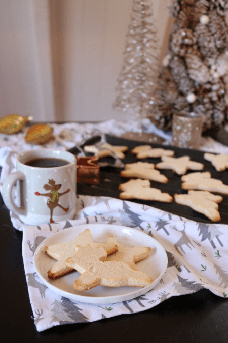 Vegan Keto Sugar Cookie's | Gluten free and nut free low carb treats that are perfect for Christmas!