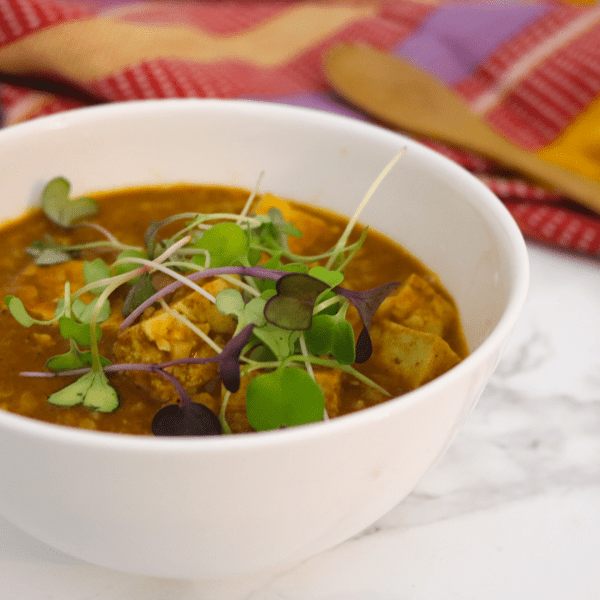 Low Carb Vegan Tikka Masala | Meat Free Keto - This low carb vegan tikka masala is gluten free, grain free, dairy free and nut free, while providing lots of protein and MCTs. A tasty & spicy keto dinner!