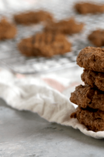 Vegan Keto Peanut Butter Cookies | MeatFreeKeto.com - These gluten-free, low carb, flourless, vegan keto peanut butter cookies are a simple treat that is easy to make, and full of omega-3 fatty acids and protein.