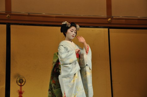 The Geisha dancing