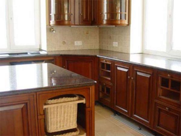 Дизайн кухни с двумя окнами на разных стенах » Картинки и ...
