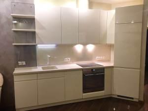 кухня  в кремовом цвете эмаль глянец