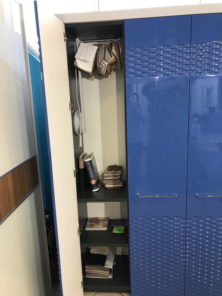 Синий шкаф с фрезеровкой фото 10