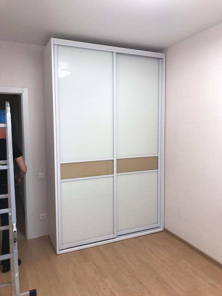 Шкаф 24 Шкаф купе в кремовых тонах фото 1