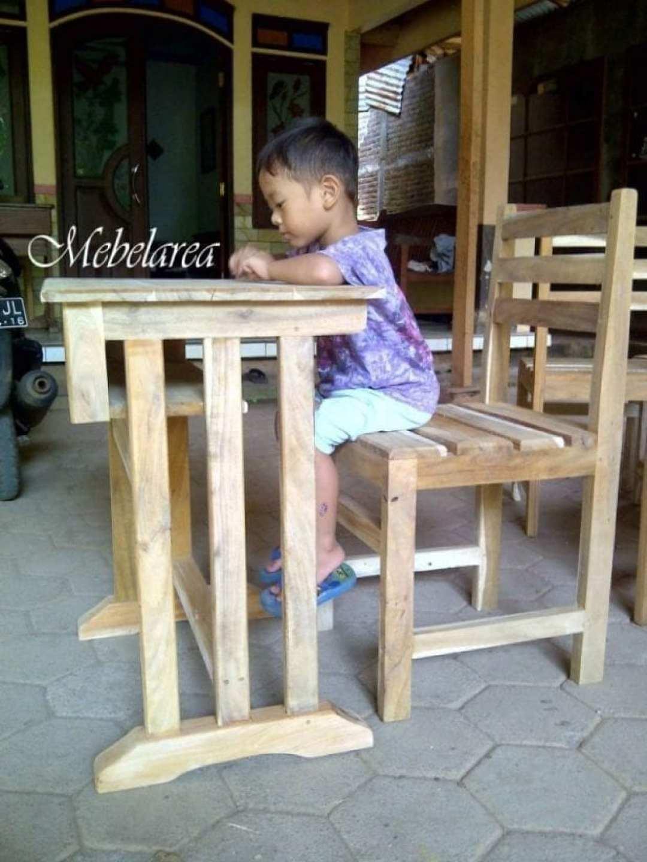 Meja-Kursi-Sekolah-Modern