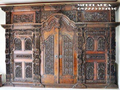 Pintu Gebyok Ukiran Kaligrafi