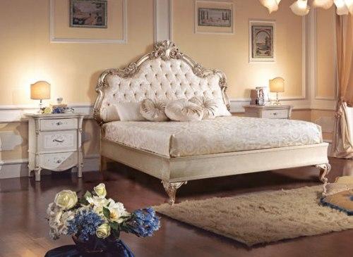 Кровать 180*200 с мягким изголовьем (отделка серебро)
