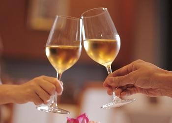 シェリー酒の飲み方のおすすめとは?ワインとの違いは?