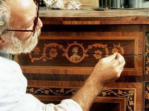 Реставрируем старую мебель для вашей дачи.